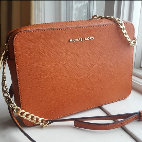 Michael Kors Handbags - Jet Set Saffiano Leather Crossbody